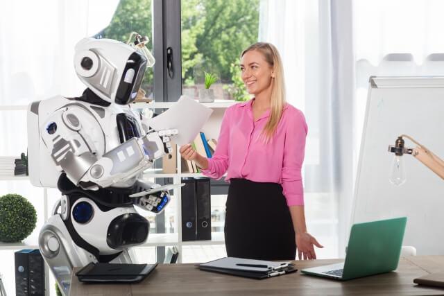 ロボットと女性⑤
