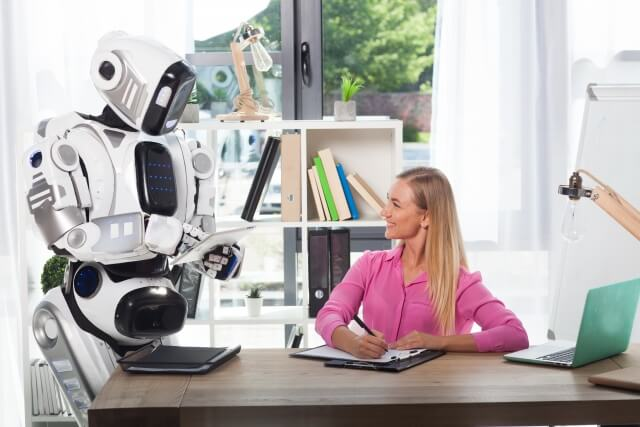 ロボットと女性①
