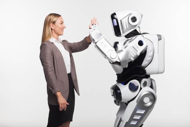 ロボットと女性⑪